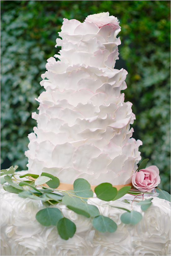 rose petals on wedding cake wedding cakes made in heaven cakes of park slope 19300